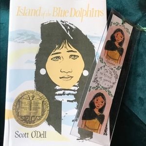 The Island of the Blue Dolphins Book Bundle